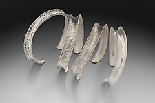 Wave Bracelet by Theresa Kwong (Silver Bracelet)