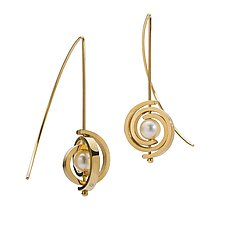 Inspiro Petite Spiral Earrings by Martha Seely (Gold & Pearl Earring)