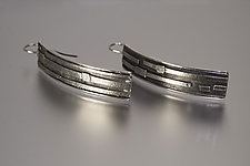 Textured Silver Ribbons Earrings by Jan Van Diver (Silver Earrings)