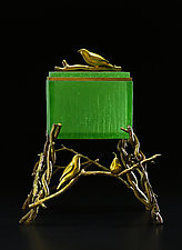Green Finch Box by Georgia Pozycinski and Joseph Pozycinski (Art Glass & Bronze Sculpture)