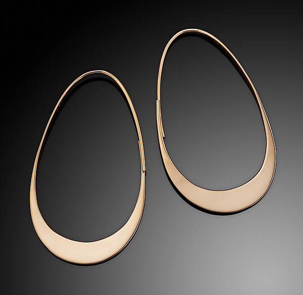 Graceful Oval Hoop