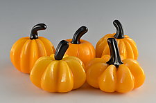 Fall Super Mini Pumpkins by Donald  Carlson (Art Glass Sculpture)