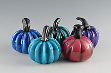 Cool Super Mini Pumpkins by Donald  Carlson (Art Glass Sculpture)