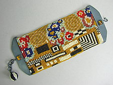 Kiss Bracelet by Julie Long Gallegos (Beaded Bracelet)