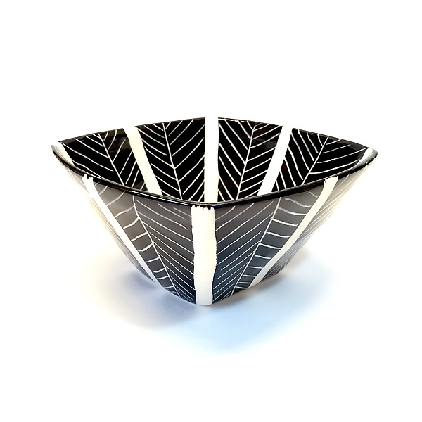 Sgraffito Square Bowl Black and White