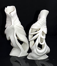 Deux epines by Monica Wakefield (Ceramic Sculpture)