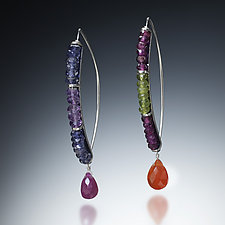 Curved Drop Earrings by Susan Kinzig (Beaded Earrings)