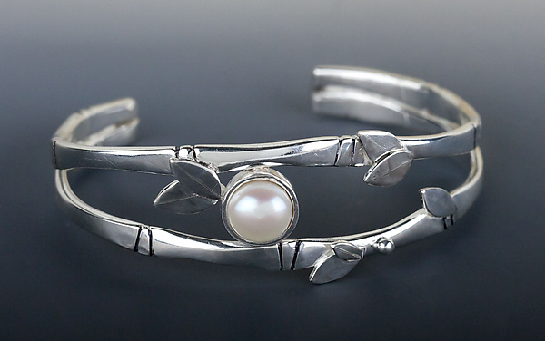 Bamboo Cuff with Pearl
