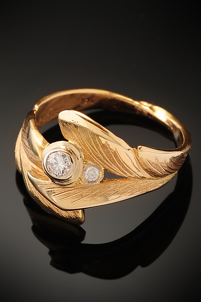 Leaf Ring with Two Diamonds